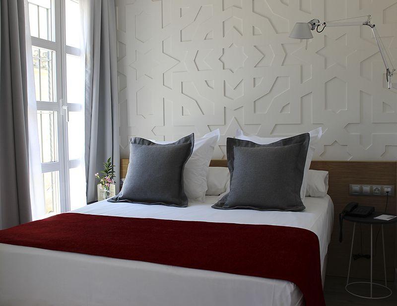 habitacion-individual-hotel-caireles-cordoba-mezquita-con-vistas